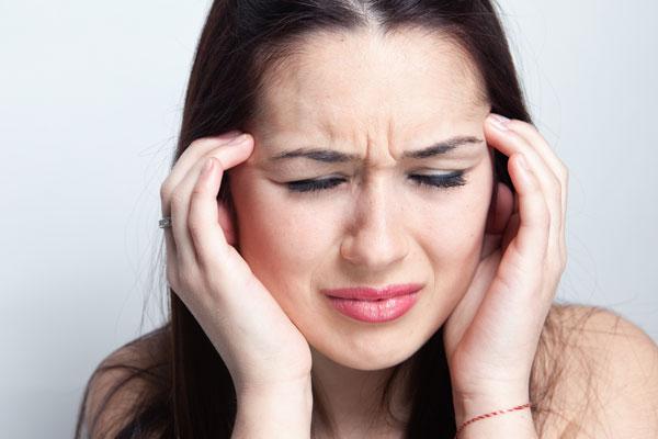 Боль в груди отдающая в зубы